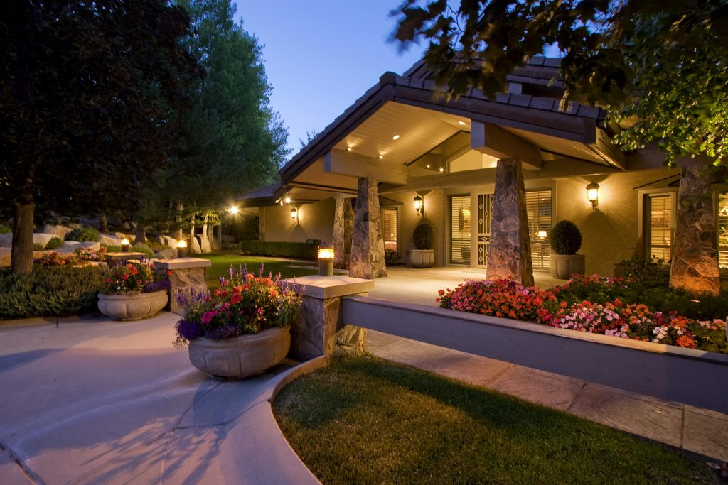 5 Tips for Anyone Wanting to Add Curb Appeal to Their Home