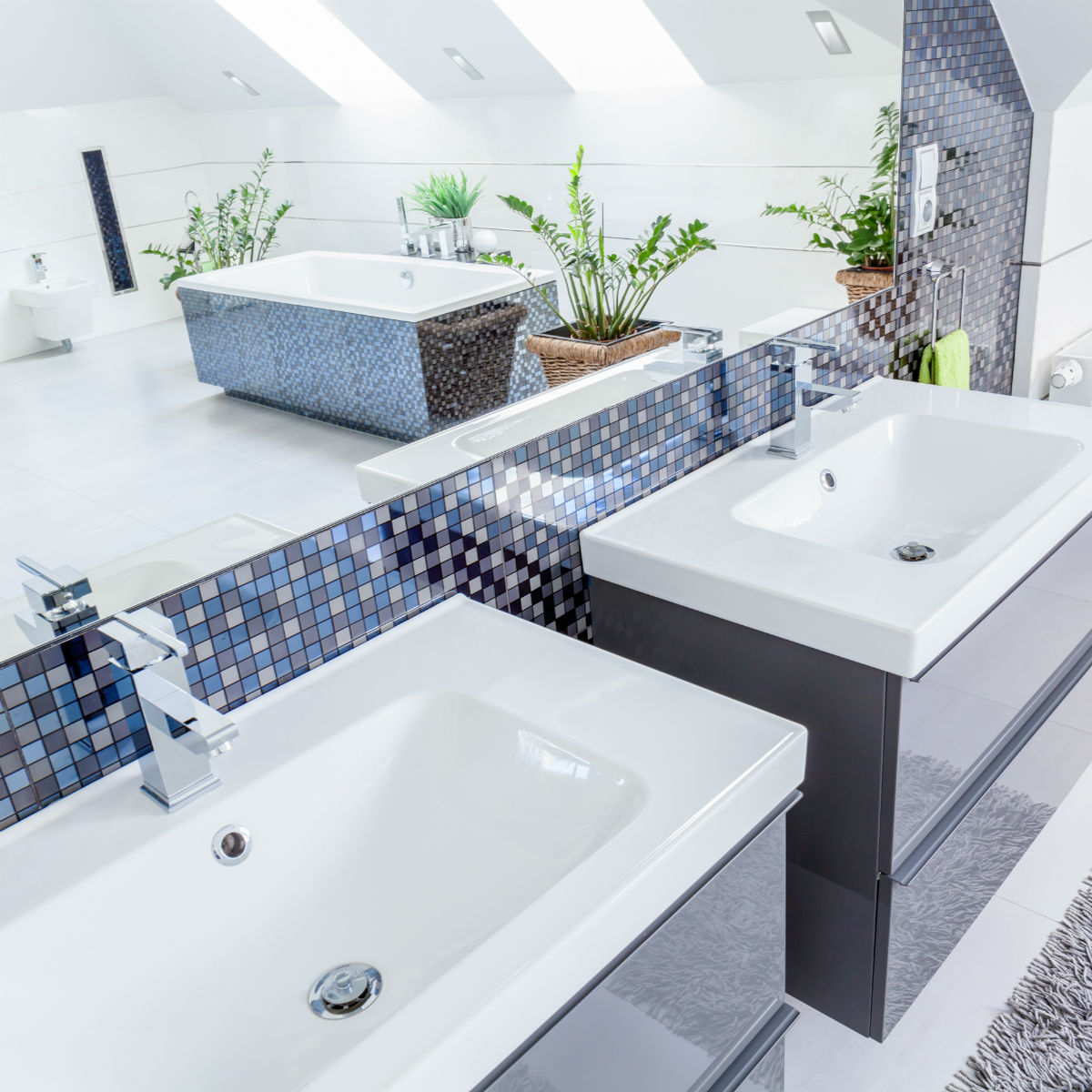 Inspiring Bathrooms For Your Next Remodel (9)